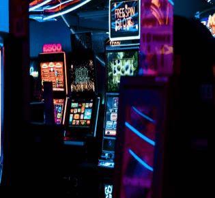 casinobonushawk.com slot games free